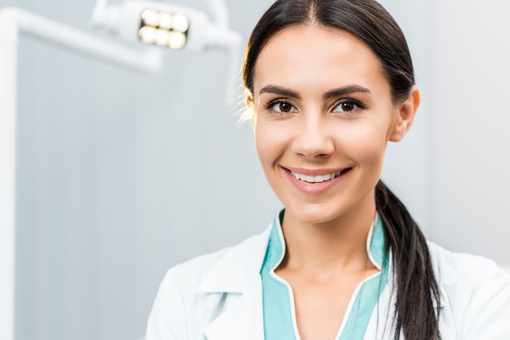 牙齦萎縮可以植牙嗎?是不是牙周病不適合植牙?